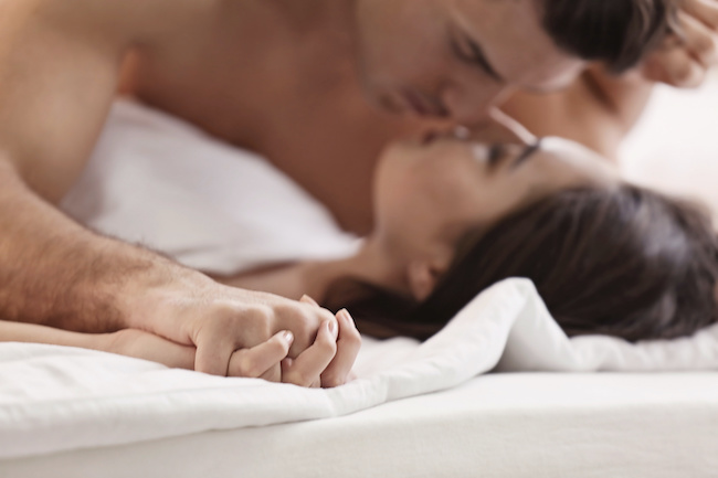 我慢できない…セックスで男性を興奮させるための仕草