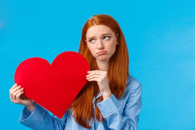 恋が不調なのは生霊のせい...!?「生霊に取り付かれている時」に現れる身の回りの変化