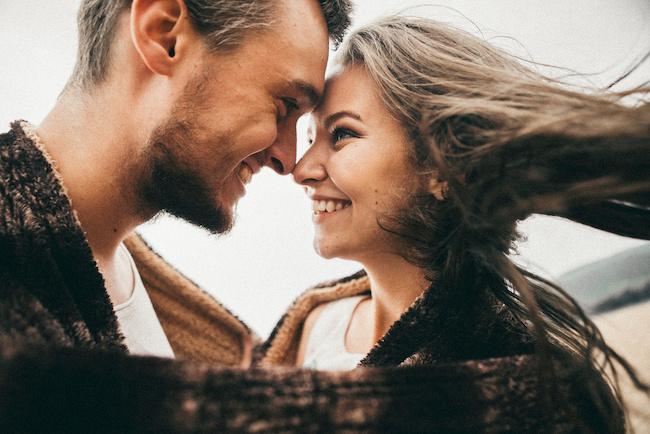 愛情表現がポイント!男性が「長く付き合いたい!」と思う彼女の特徴