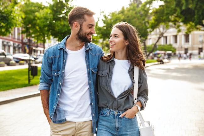 仲の良い男友達を好きになってしまったら、どうやってアプローチする?画像