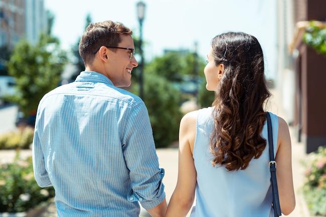 頭のいい男性にばかり恋する女子は不幸になる?【ひとみしょうの男ってじつは】