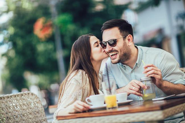 「幸せそうだね」ってどういう意味?女性同士の会話に潜む嫌味を見分けよう