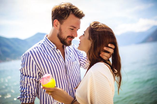 男女の友情なんて嘘?男友達との「恋愛感情が芽生える瞬間」とは?