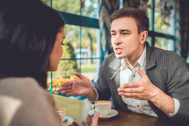 脈なしの態度を取ったら説教してくる年上男性の心理