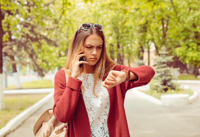 デートで遅刻の連絡をしない彼氏の心理と対処法
