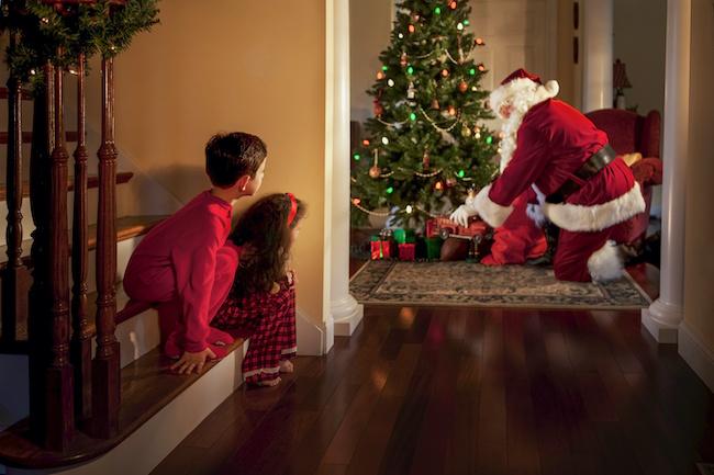 サンタクロースはいつまで信じる?サンタはいないと言われたら何と答える?小学生のサンタクロース事情とは