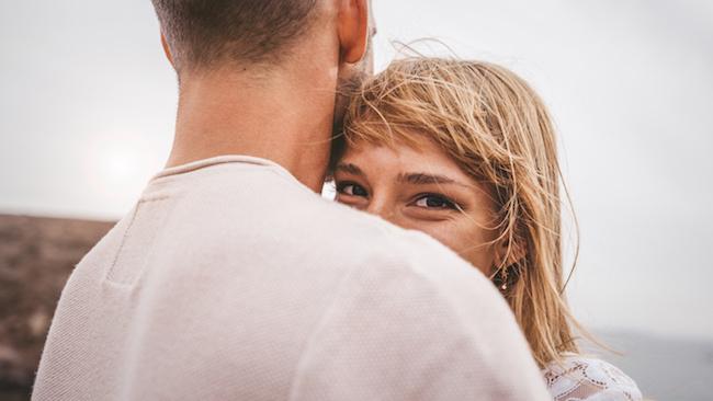 ギュッしてもらおう♡彼氏に抱きしめて欲しいときに出す3つのサイン