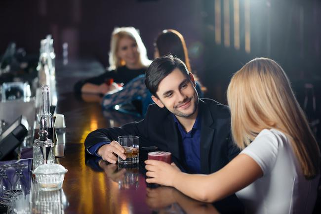 不倫の誘い方の背景にある男性心理とは?画像