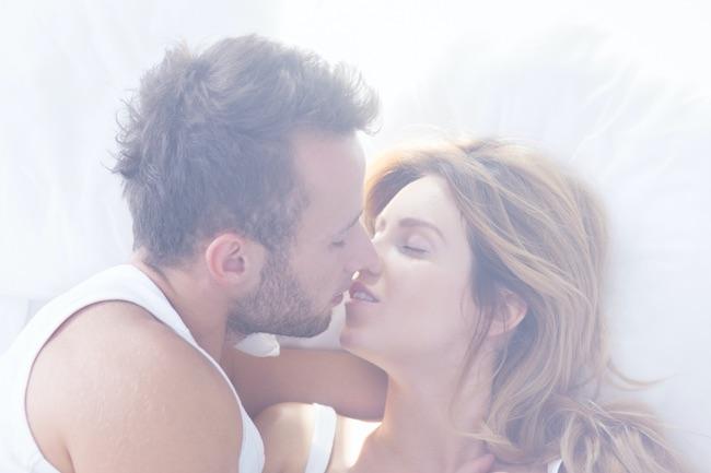 こんなのいけません♡男性がウハウハしちゃう「特別なキス」って?