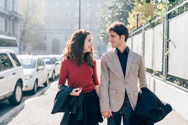 男は行動力で選ぼう!「歩幅を合わせてくれる男性」を彼氏にするメリット