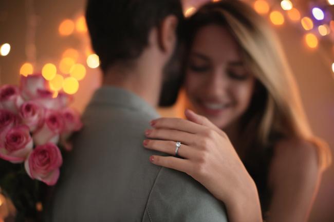 「この気持ちを忘れたくない!」書くだけじゃない婚姻届を思い出に残す方法