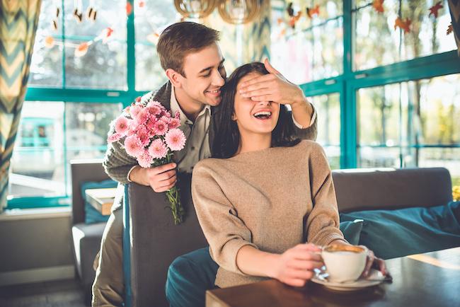 年下彼氏と付き合いたい♡年上女性を選ぶ男性の特徴と出会える場所3選
