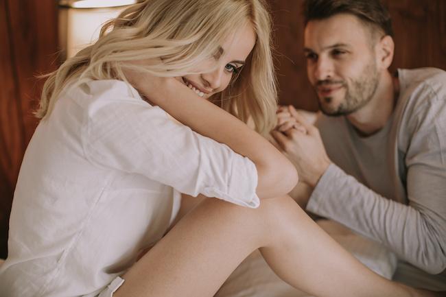 「俺のものなのに…」男性がセフレに独占欲が湧くタイミング