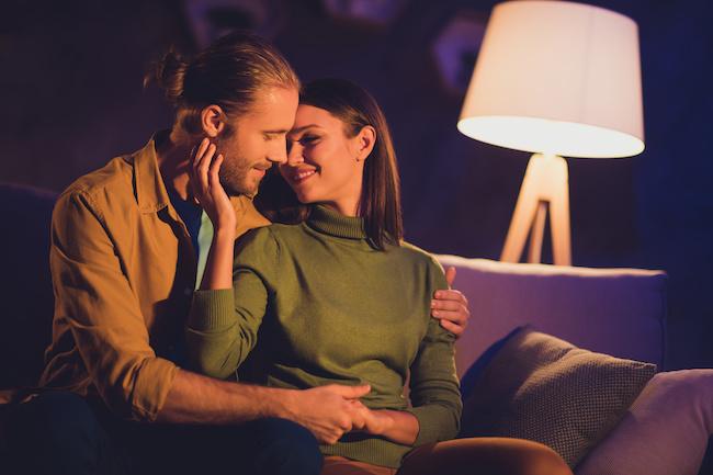 「もっと彼を夢中にさせたい!」キスで彼のスイッチを一瞬で入れるテクニック