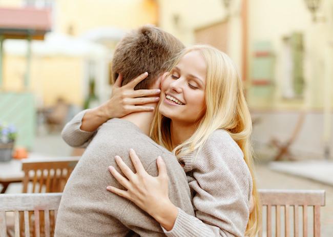 結婚したいくらい好き!男性が「一生を誓う」女性の特徴とは