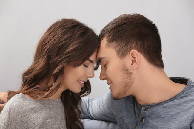 愛されるよりも愛したい、マジで♡男が本命認定する彼女の特徴