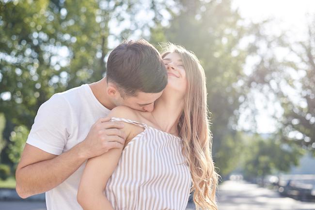 彼氏が冷たい…。ツラいときの対処法5選!関係が改善したきっかけとは