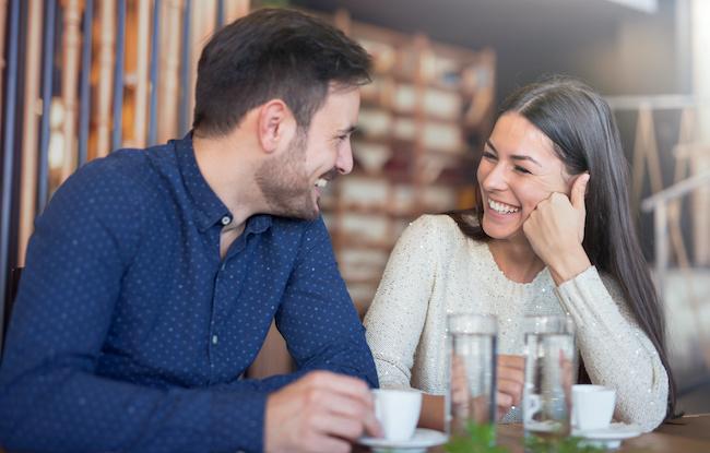 「愛され彼女」の秘訣は会話上手!彼氏を楽しませるネタ3選