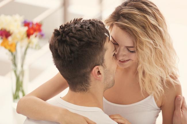 ビックリ&キュン!彼が彼女から急にキスされてときめいた瞬間