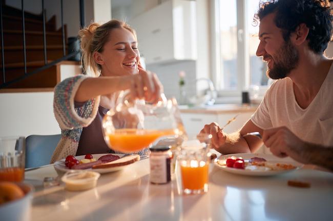 朝から仲良し!夫婦の「モーニングルーティン」3選