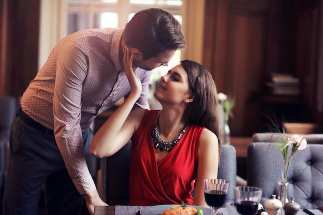 【愛され度】がわかる!「本気」になった彼のキス3選