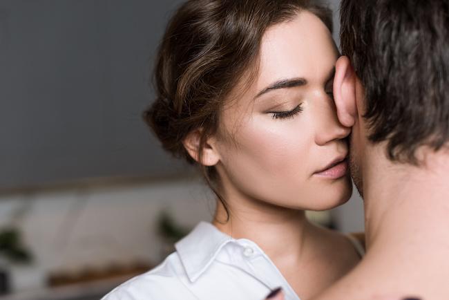 ムラムラしちゃう!男にはたまらない女性の「色っぽキス」