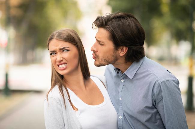 ある意味一生忘れられない…女性がされた「デリカシーゼロの酷すぎキス」4つ