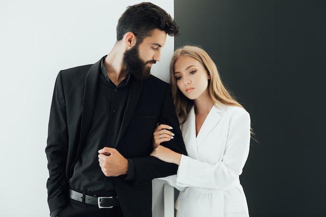 【近寄りNG】不倫で何股もかける既婚男性の共通点