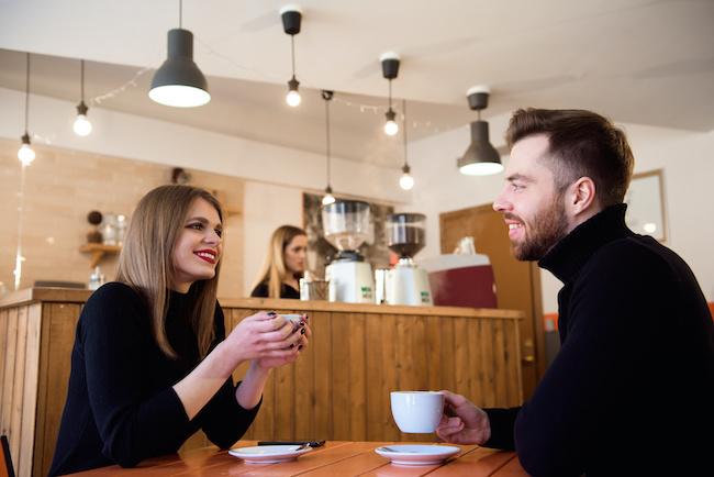 「A型男性」を夢中にさせるには?会話のテクニックをご紹介!