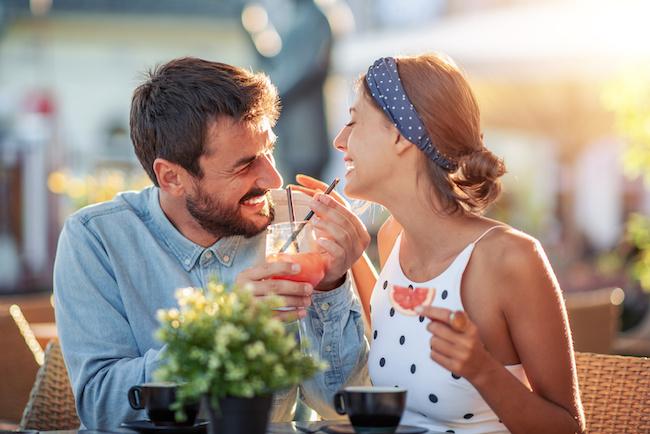 結婚しても愛が止まらない!愛妻家傾向の強い男性の特徴