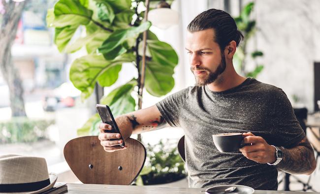 連絡の頻度が減る!男性が「連絡不精」になる原因3つ