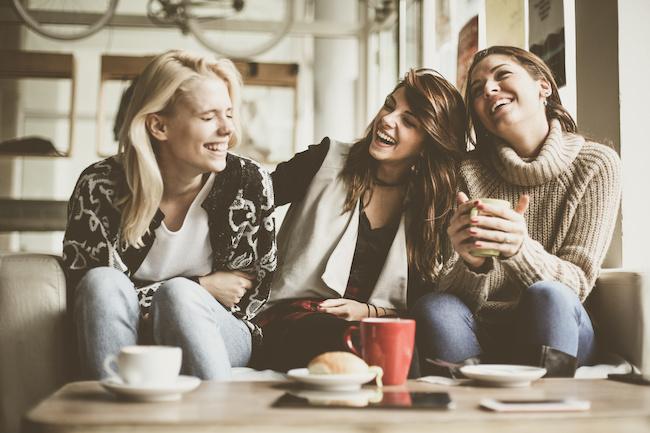これがモテ女子!「みんなから愛される女性」5つの特徴