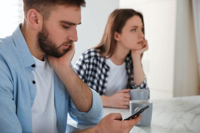 夫婦の危機…「妻に愛情を感じなくなった」夫の特徴