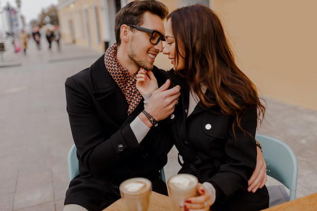 注意深く観察して!男性が「遊びの女性」にしがちなキス3選