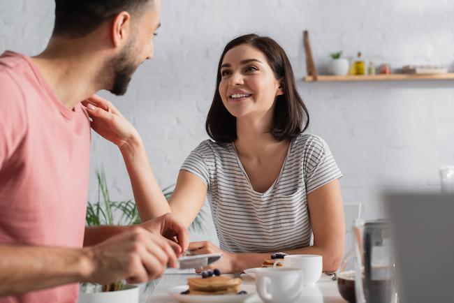 熟年夫婦感を脱却!「ラブラブ夫婦」が実践中のルール3つ