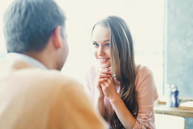 やっぱり恋愛対象外?恋愛相談してくる男性の心理3選